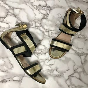 ✨HP!💫Stuart Weitzman Romanesque Gladiator Sandals